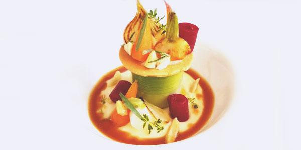 Queue de boeuf, céleri à l'huile fumé, amandes et jardin de légumes de la chef à domicile sur Vannes Juliette Tercaefs