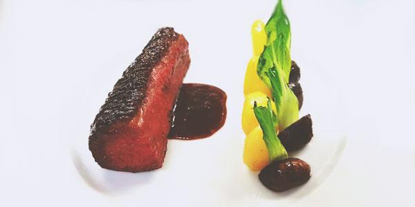 Magret de canard au miel et gingembre accompagné de ses pommes de terre grenailles et champignons laqués du chef à domicile Julien Rousseau