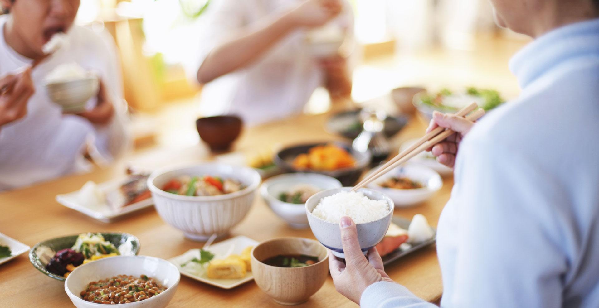 Table À Manger Japonaise les bonnes manières à adopter lors d'un repas au japon | le